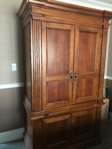 Armoire Solid Oak - Entertainment Centre