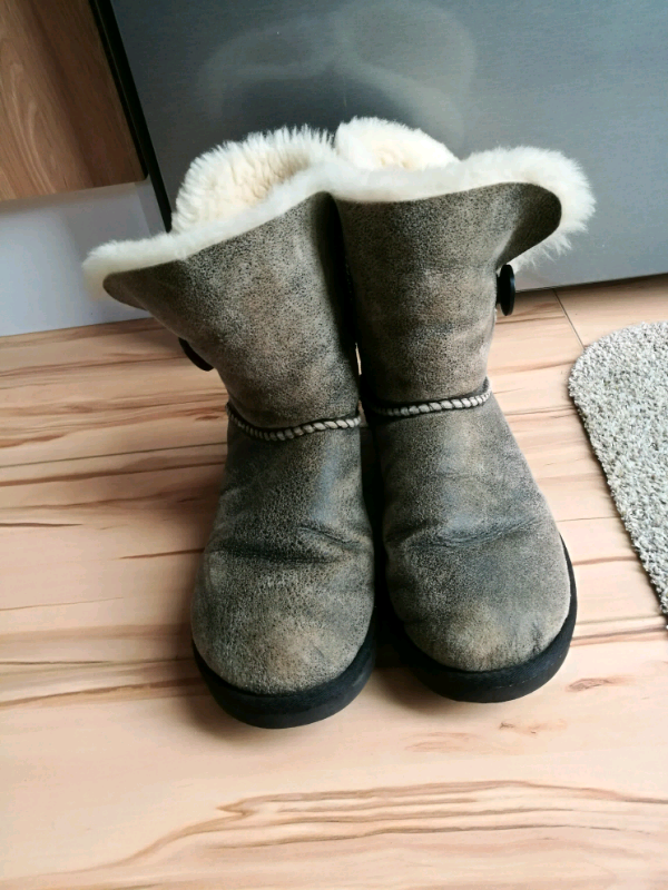 390f85988ba Ugg boots, grey, size 6.5 | in Southampton, Hampshire | Gumtree