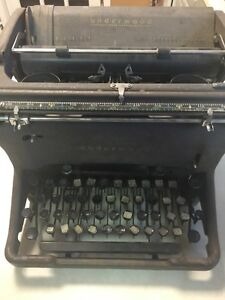 Vintage cast iron Underwood typewriter
