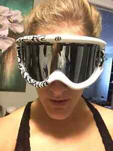 Brand new! Electric goggles including an extra lens Kitchener / Waterloo Kitchener Area image 2