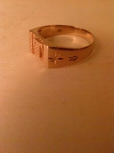 18k gold ring for scrap (86.51% spot value 2.7 grams)