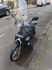 Askoll eS3 - Electric Vespa / Scooter - Grey - 2018