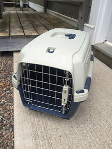 Small Pet Kennel/Carrier/Cage