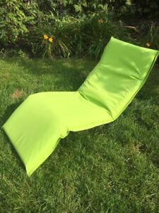 Chaise longue d'extérieur