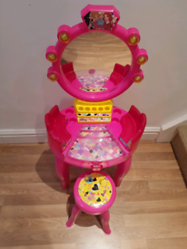 Barbie play dressing table and chair