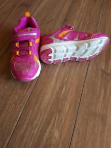 Like new girls  sneakers