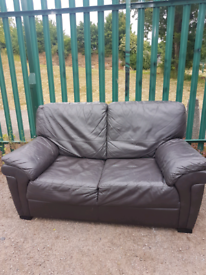 2 sester leather Sofa (delivery available