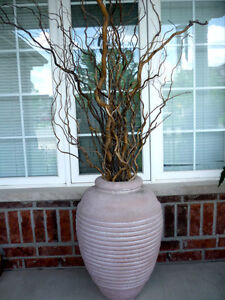 """30"""" Terra Cotta Vase:Very Heavy: Like NEW : Curly Branches FREE Cambridge Kitchener Area image 2"""
