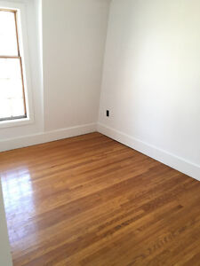 Near Christie station 2bedrooms MOVE IN MAY 1ST