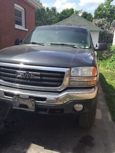 2005 GMC Sierra parting out