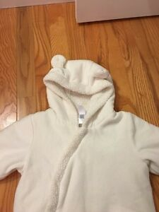 Baby gab snow suit 6-12 months  Cambridge Kitchener Area image 2