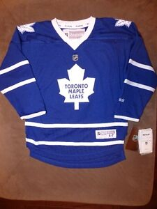 Toronto Maple Leafs Austin Matthews kids Jersey - Reebok - New