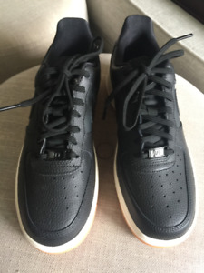 competitive price 091a0 594db (NEW) Nike Air Force 1  07 Women s Size 7 in Black Leather