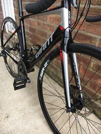 2016 Giant Defy 2 Disc Upgraded wheels and tyres