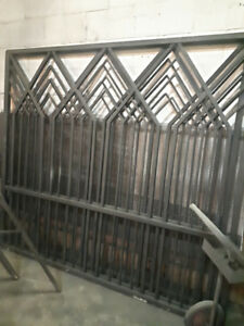 Custom Made Solid Metal Gate/Fence