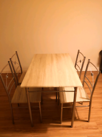 Dining set: 1 dinning table, 4 chairs.