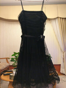 Robe noire taille 16
