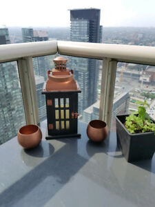 Hurricane Patio Lantern Light + 2 copper planters set
