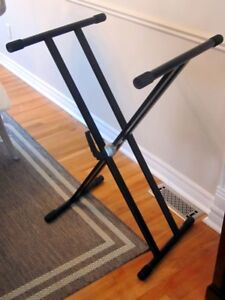 Keyboard stand / Support a clavier