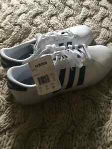 Souliers Adidas neo pointure 9