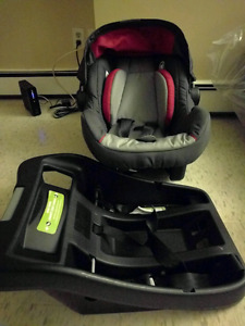 Eddie Bauer sure fit 35 infant car seat and base