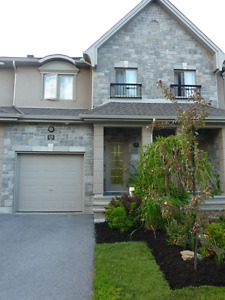 TOWNHOUSE FOR RENT - 7 MINUTES FROM DOWNTOWN OTTAWA
