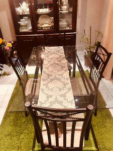 4 Chair glass dining table for sale