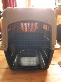Animal transport carrier/kennel