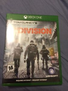 The Division & Gears of War Ultimate Edtion- XBOX ONE