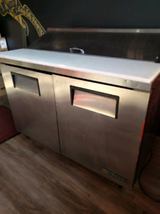 Ice cold cooler & Brand New Pizza Oven for sale