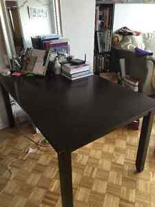 Dinning Table w/ 4 Chairs