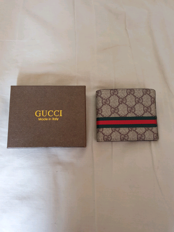 Gucci- wallet 3 | in Moston, Manchester | Gumtree