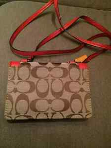 Authentic Coach smartphone purse with gift box Edmonton Edmonton Area image 4