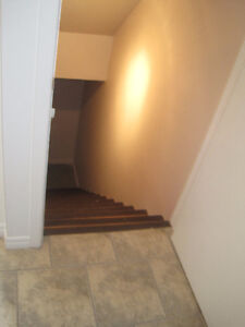 NEWLY RENOVATED 3 BDRM. TOWNHOUSE in GALT - FINISHED BASEMENT Cambridge Kitchener Area image 2
