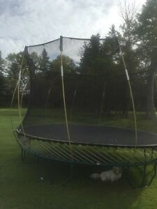 Tramoline - 12foot with enclosure