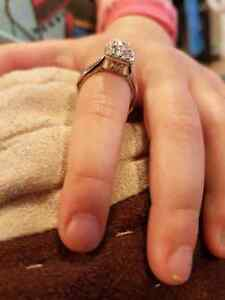 Engagement ring , canadian halo