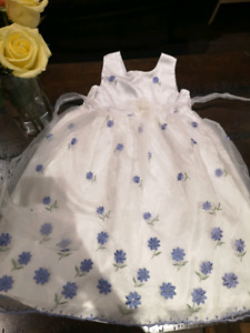 Childrens White Dress With Blue Flowers For Ages 9-10 Girls