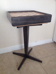 Chess box with table