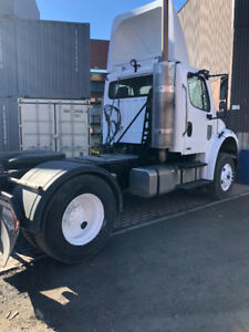 Freightliner 2009 6 roues (12x23),
