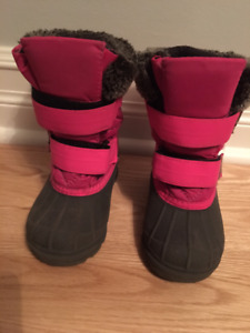 Panda Winter Boots Size 8 / Bottes d'hiver taille 8 - Toddler