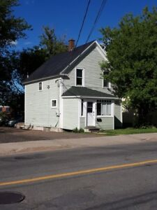 1 Bedroom – Close to UNB/STU – Available July 1 2018   ($800.00)