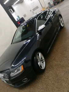 2012 Audi S5 quattro v8fsi - Mint Condition