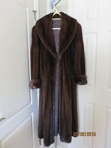 Mahogny Female Mink Fur Coat