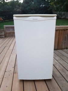 Mini-Fridge with Freezer