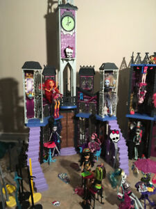 $1500 worth of Monster High dolls, accessories for sale for $300