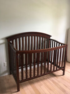 Used Wooden Baby Crib - $50 (bought from Toys'R''us $500, 5y)