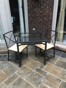 Bistro / Coffee Table & 2 Chairs For Condo , Balcony or Kitchen
