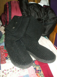 Authentic UGG Australia womens knit boots