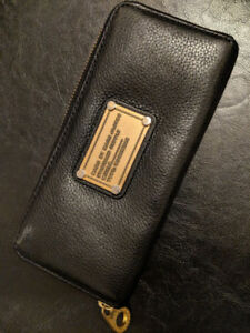 Marc Jacobs - black leather wallet