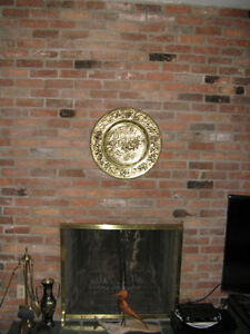 Large Embossed Brass Plate West Island Greater Montréal image 1